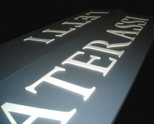 insegne lettere in rilievo torino