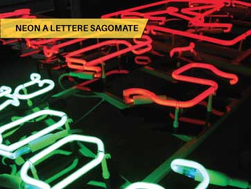 Neon a lettere Sagomate